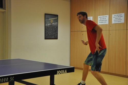 Ex-Racketlon Weltmeister Christoph Krenn beim Tischtennis in der RHTT